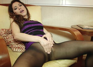 Pantyhose no panties